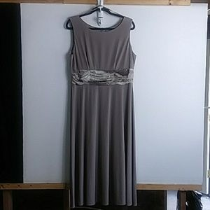 Jessica Howard formal gown